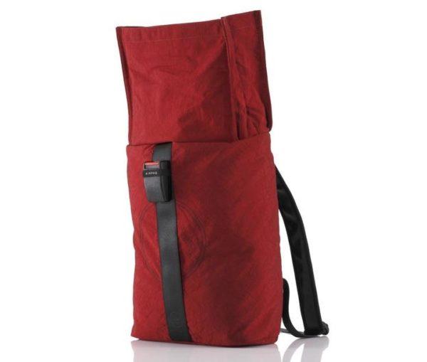 Rucksack Airpaq rot geöffnet