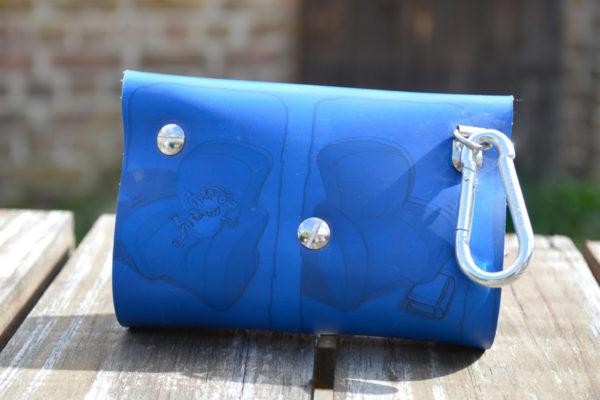 leckerlitasche fairbag blau hinten