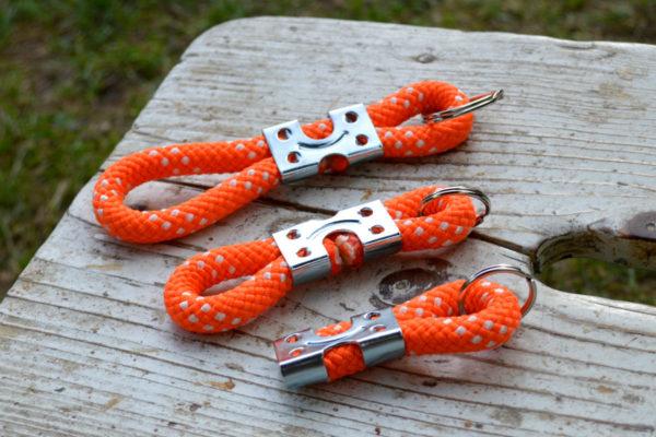 schluesselanhaenger-orange-drei groessen1