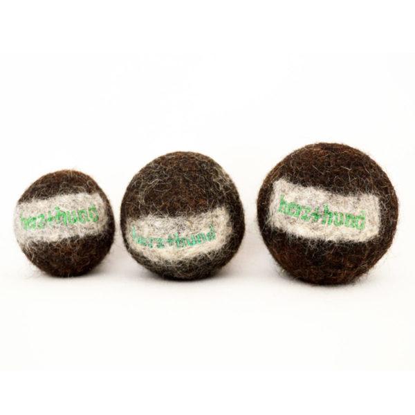 Hundeball aus Bio-Schurwolle in Braun-Schwarz